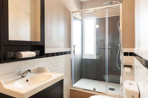 hotel chatelaillon plage avec salle de bain propre et refaite
